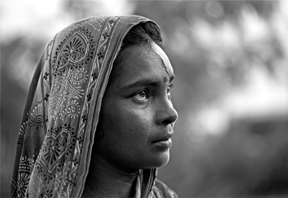 03_wwf.tigerwidow.woman.portrait.blackandwhite.ogilvy&mather.sunderbans.tigerreserve.india.jpg
