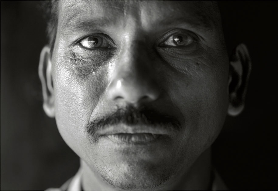 10_wwf.forestguard.portrait.ogilvy&mather.blackandwhite.kanha.nationalpark.india.jpg
