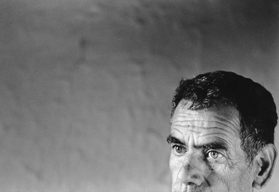 04_thepositiveside.modicare.oldman.portrait.blackandwhite..jpg