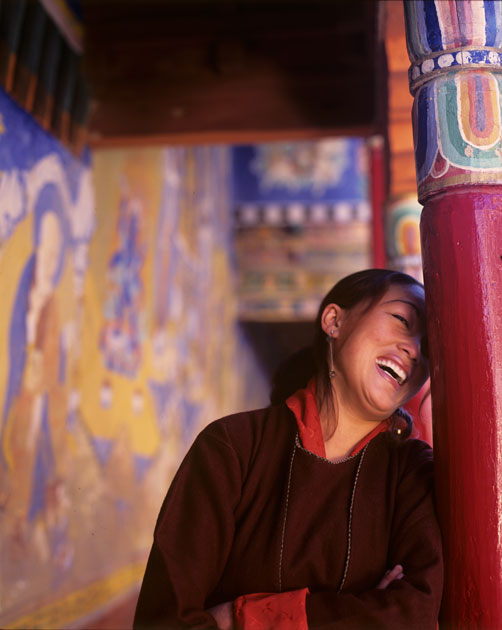 07_ladakhigirl.airtel.laughing.colour.jpg