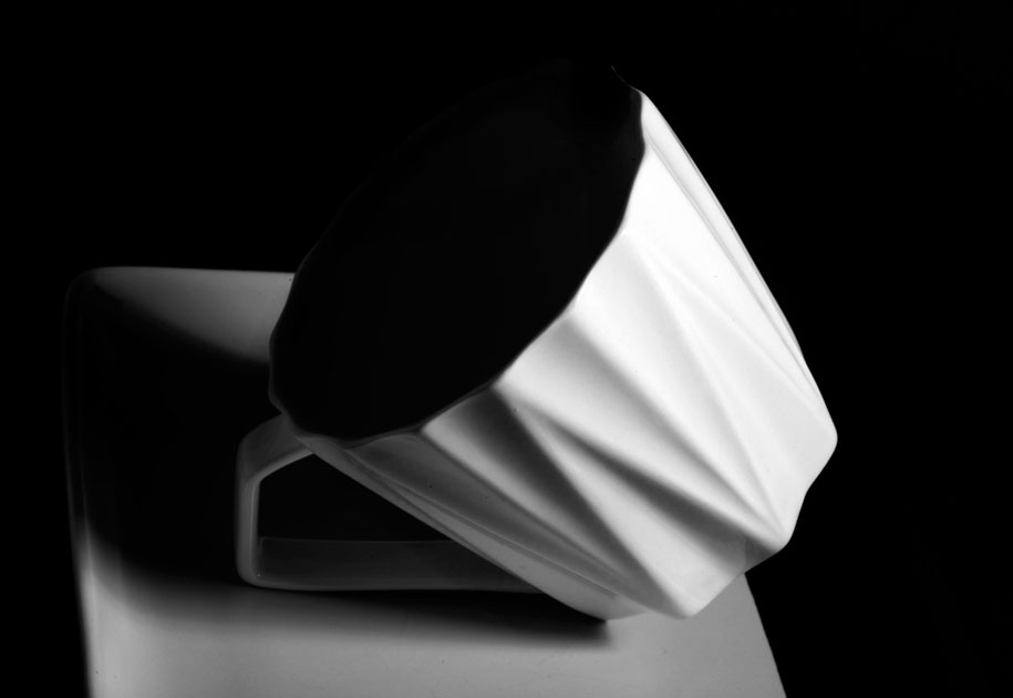 07_cup.plate.lines.blackandwhite.graphic.jpg