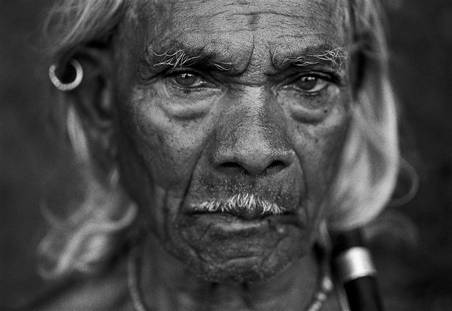 03_indian.old.man.shaman.tantric.bastar.eyes.blackandwhite.jpg