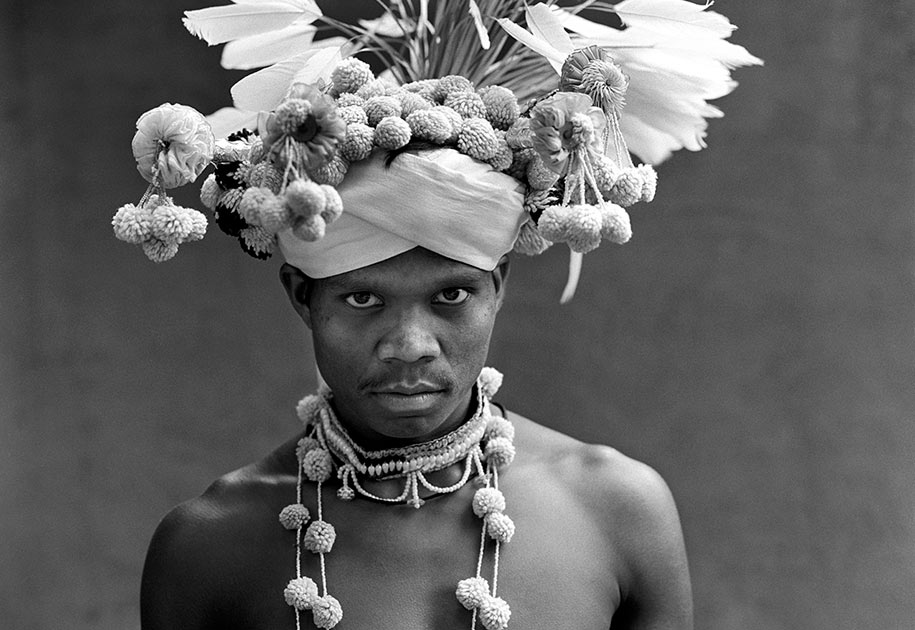 12_indian.tribal.bastar.dancer.traditional.portrait.blackandwhite.headdress.jpg