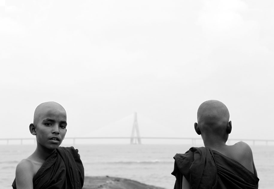 11_younglamas.mumbai.bridge.blackandwhite.india.jpg